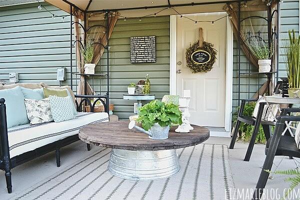 Outdoor Coffee Table | VIA LizMarieBlog
