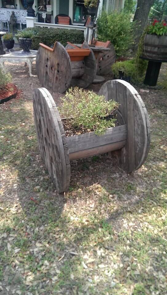 spool planter