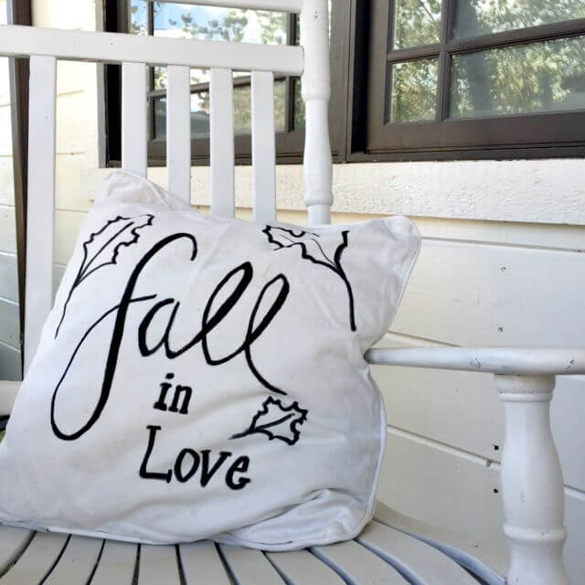DIY Fall Pillows With Sharpies