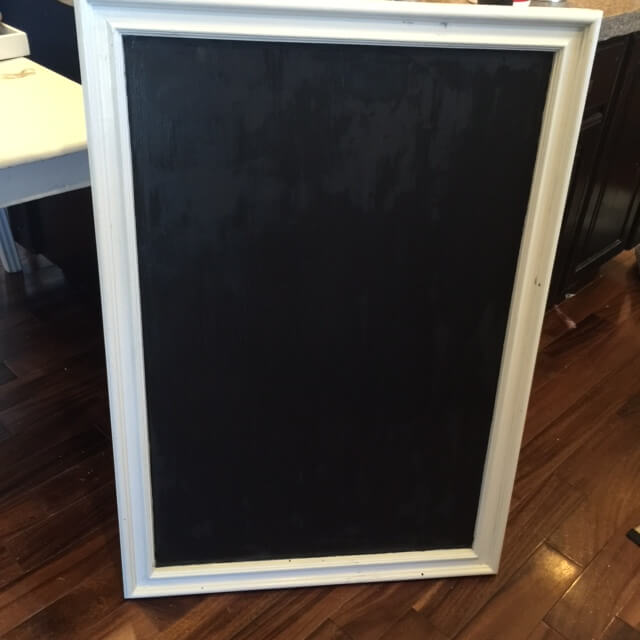 A mirror chalkboard? Who would have guessed~