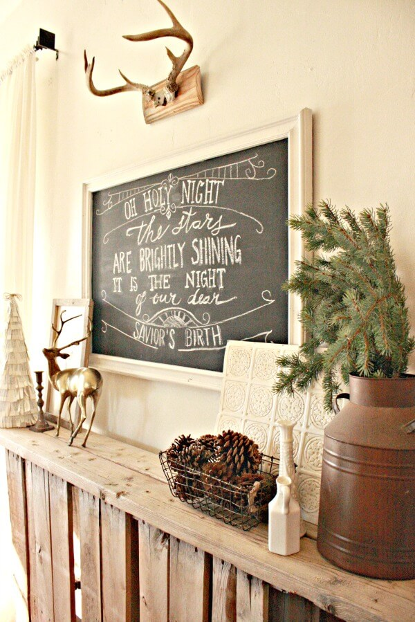 A mirror chalkboard? Repurpose a mirror into a chalkboard!