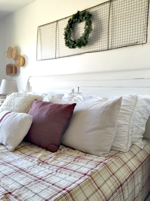 Farmhouse Christmas Bedrooms