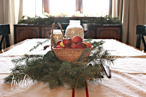 A Farmhouse Christmas Dining Room