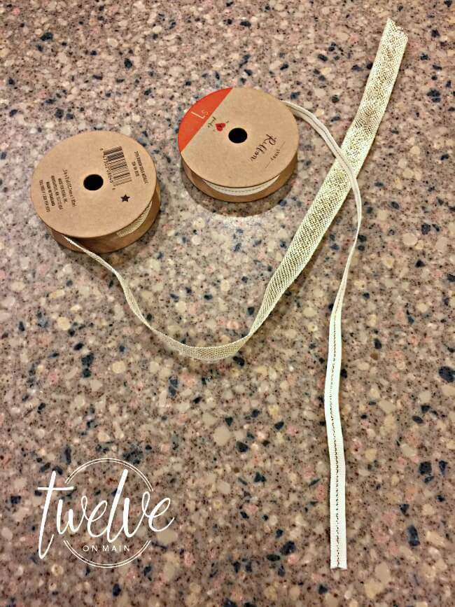 Make an easy mounted craft paper roll
