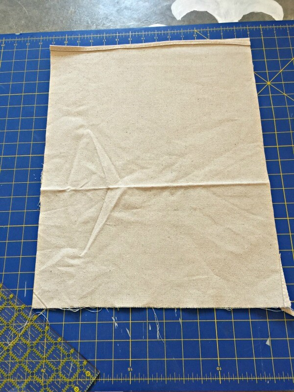How to make an easy dropcloth fabric sign for your home!