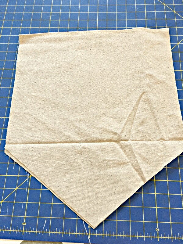 How to make a dropcloth fabric sign! It so easy!