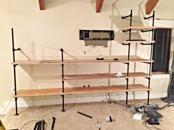 Diy Insudtrial Pipe Shelves