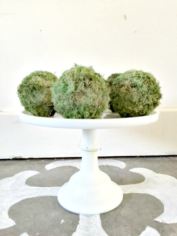 Make Decorative Moss Balls For Spring