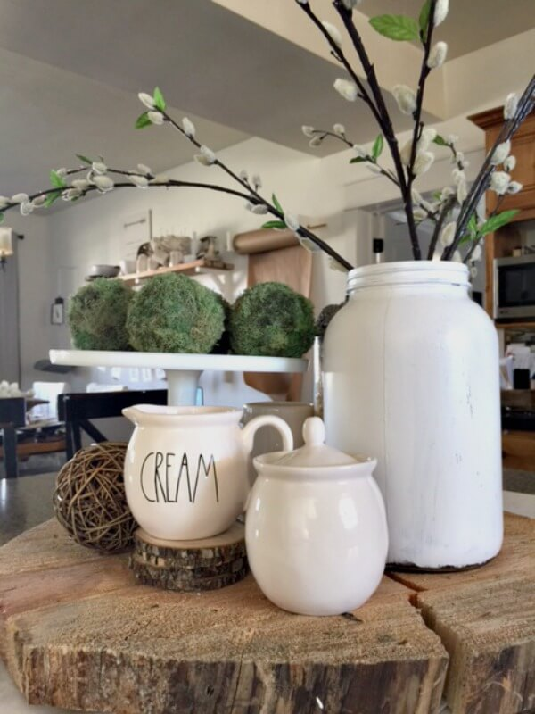 Create a spring centerpiece for your kitchen. |Twelveonmain.com