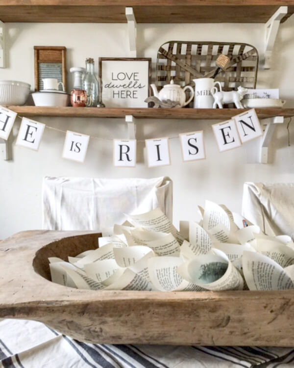 I love this farmhouse spring decor! Its so fresh and there is so much rustic goodness! | Twelveonmain.com