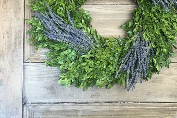 Preserved Boxwood Wreath Decor Ideas and a Giveaway too!