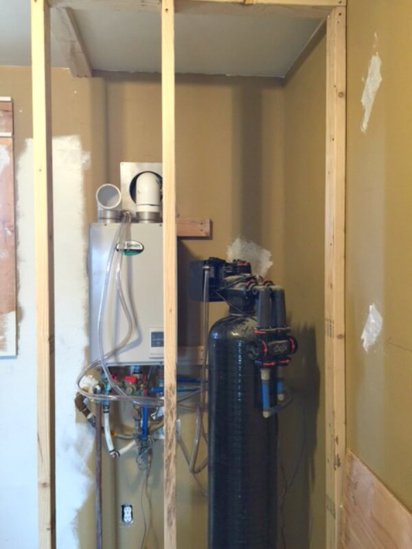 How to hide an unsightly water heater or anything else you don't want to see! |Twelveonmain.com