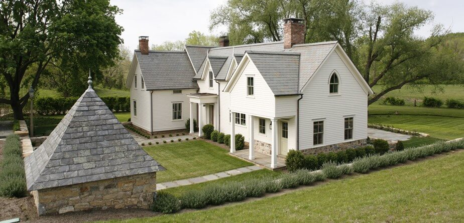 Gorgeous farmhouse style homes with oodles of charm and tons of style.