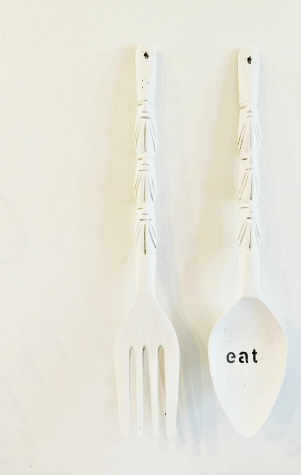 Create farmhouse decor with Milk Paint. It is so easy to use! You should see the before of these old utensils!
