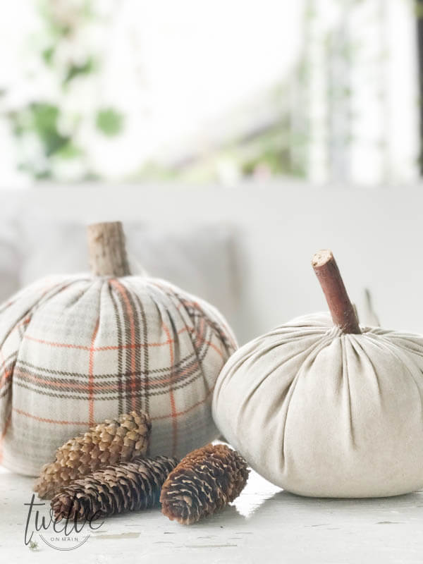 These velvet pumpkins are so easy to make! You can make so many different options and you can use any fabric you want!