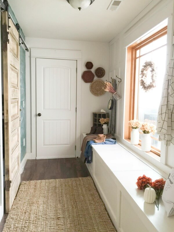 DIY Mudroom organization