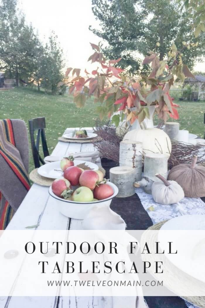 This outdoor fall tablescape is perfect!!