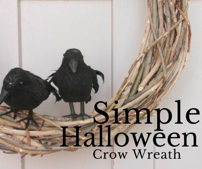 DIY Simple Halloween Wreath- When you just don't feel like decorating at all!
