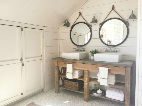 farmhouse-master-bathroom-remodel-35