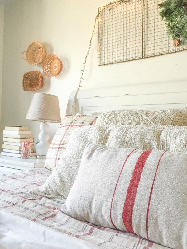 farmhouse-christmas-home-tour-2-10
