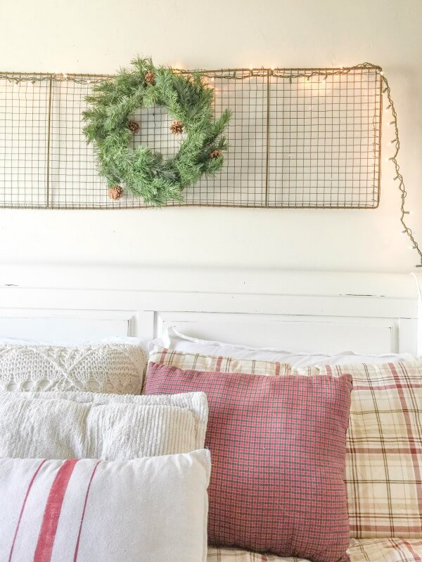 farmhouse-christmas-home-tour-2-14