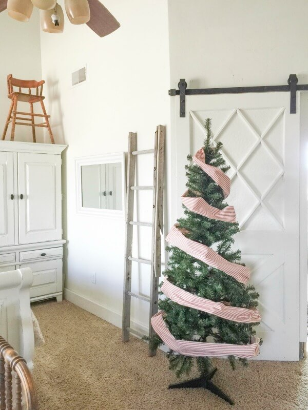 farmhouse-christmas-home-tour-2-18