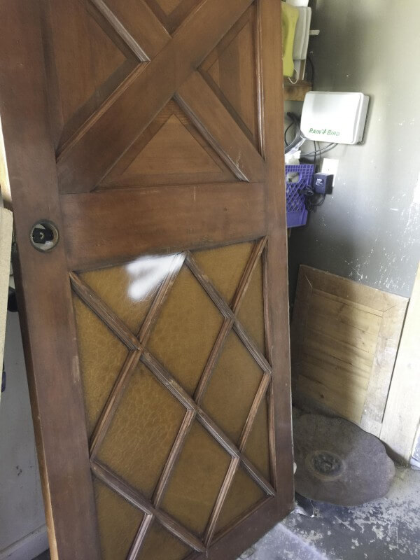 Barn Door | Barn door on a budget | Install a barn door |Install a barn door on a budget