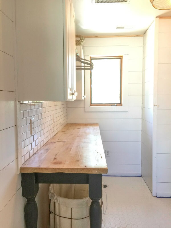 Superieur This DIY Laundry Folding Table Is Such A Beautiful Addition To My Laundry  Room!