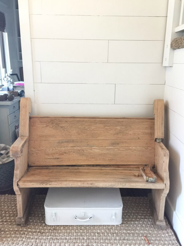This church pew bench got a makeover! Check it out here!