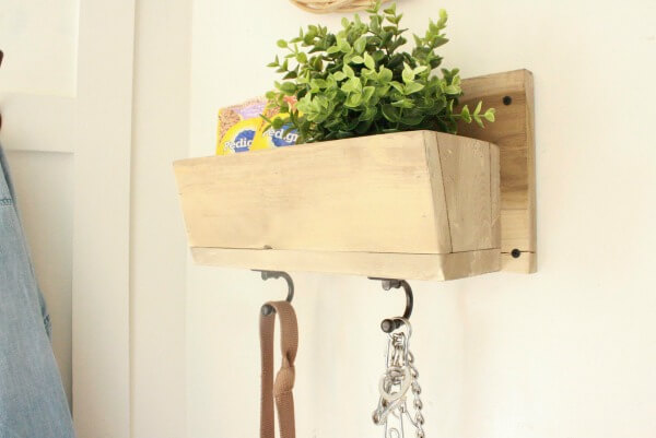 DIY small wood projects like this dog foot and treat holder