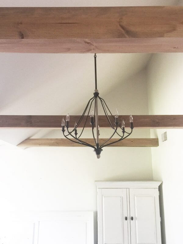 Oh my gosh I am so obsessed with these faux wood beams made by Sara of Twelve On Main!