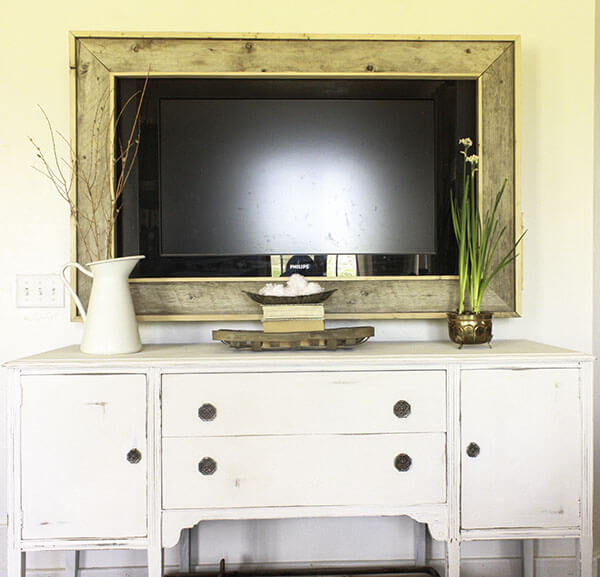 Georgeous farmhouse painted furniture makeovers