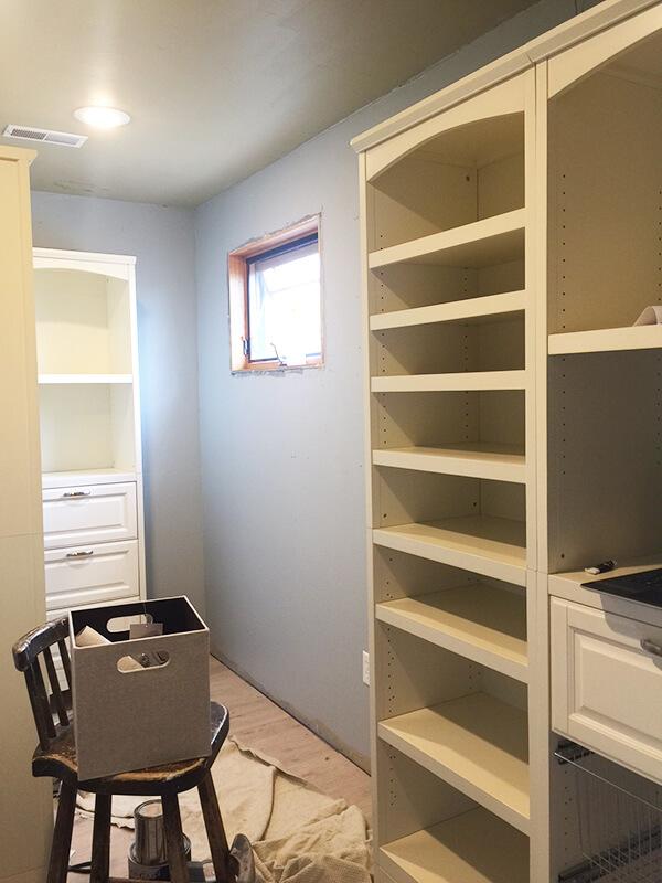 farmhouse style closet | closet design | organized closet | organization tips | closets | farmhouse closet