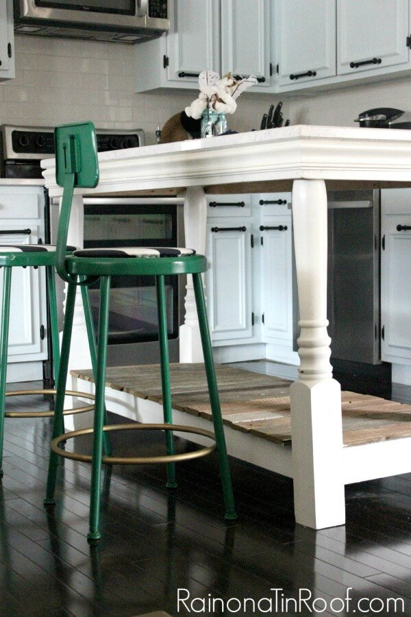 This kitchen island is an easy wood project you can do this weekend!