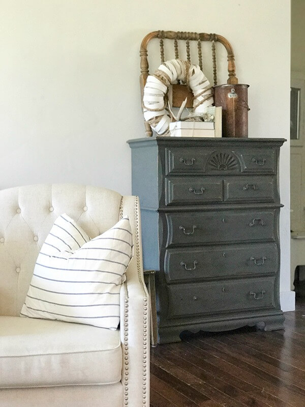 Paint furniture like a pro! Check out how easy it can be with this easy and simplified tutorial!