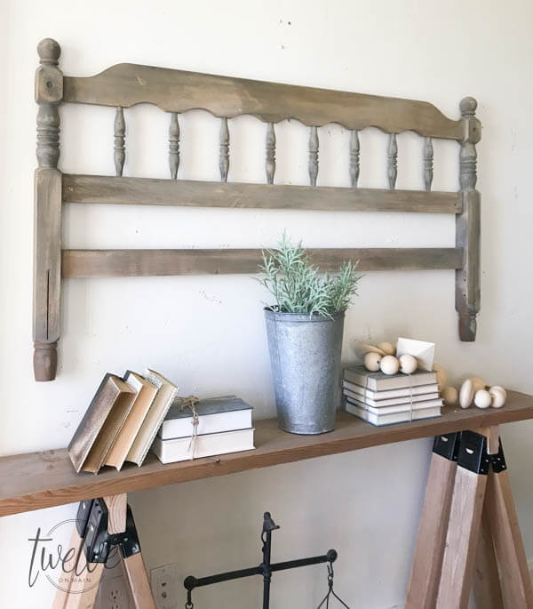 Don't pass up that headboard!at the thrift store Transform that thrift store headboard to farmhouse style wall decor! Such a cool idea!