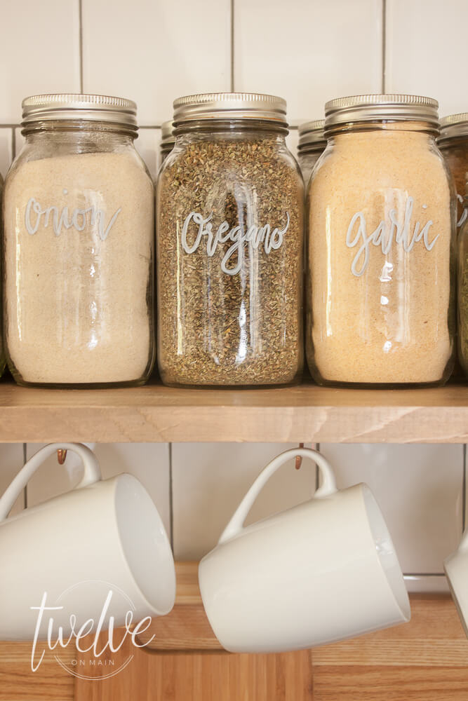 Super easy mason jar spice storage! Such a stylish and functional addition to your kitchen.
