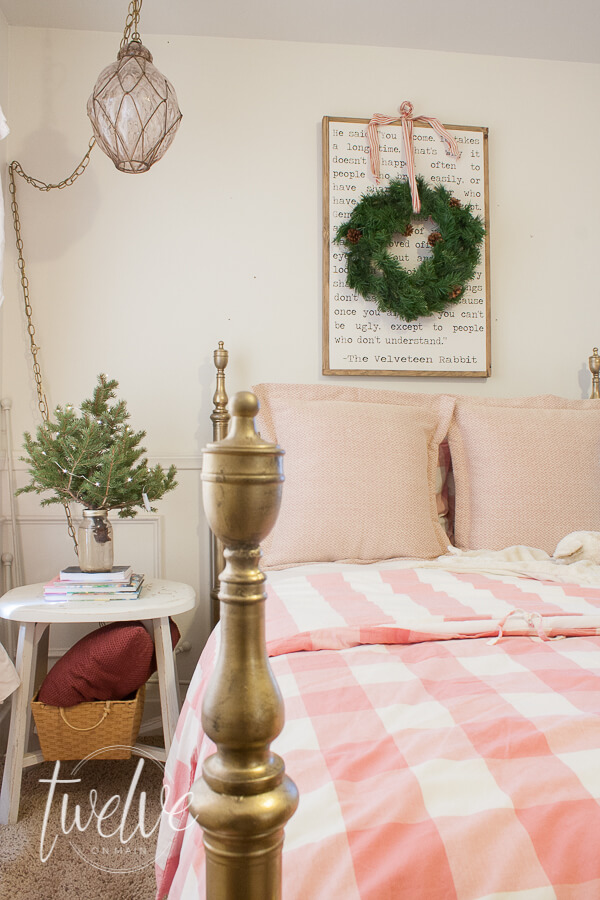 Want to decorate your bedroom for Christmas but don't know where to start? You only need a few inexpensive items to create the most cozy Christmas bedroom! Check out this little girls bedroom decorated for Christmas with pink and green accents!