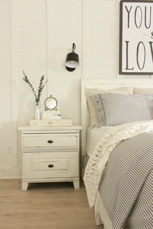 Painting And Distressing Furniture 101 Bringing Farmhouse Style