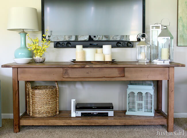 18 ways to decorate around a TV