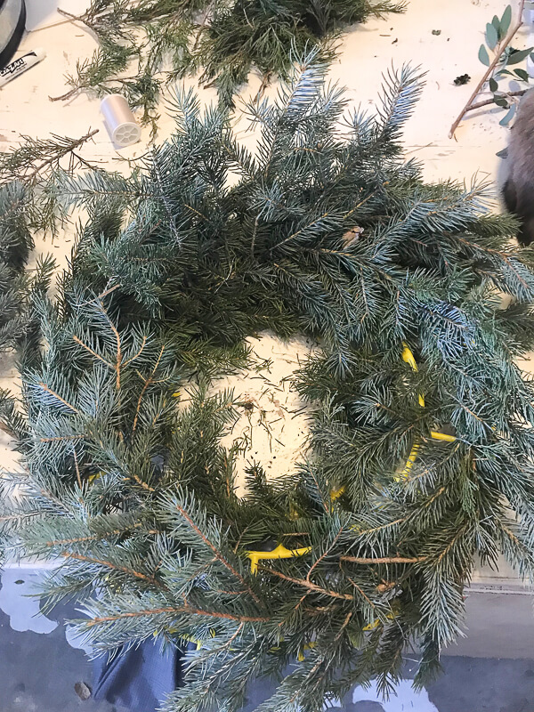 Make your own Christmas wreath with fresh clippings
