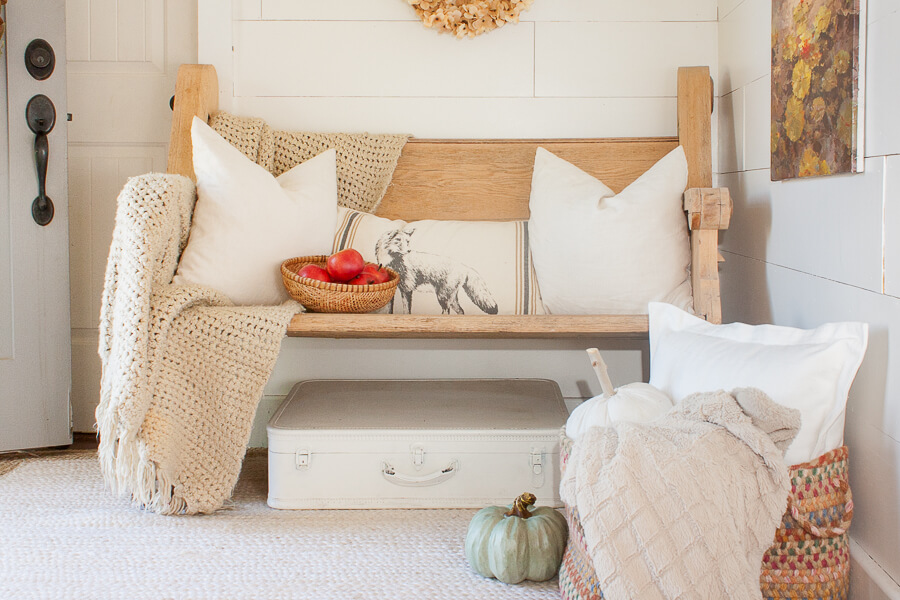Unexpected pops of color in the farmhouse style fall decor. Make your entryway shine!
