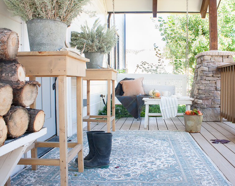 Porch fall decor that will make you want to live there!