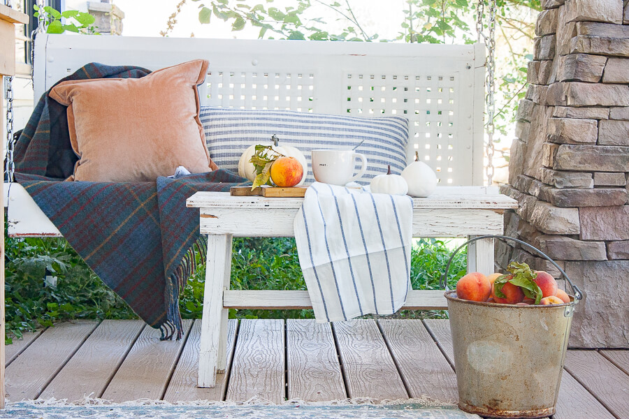 Farmhouse fall decor with a pop of color!