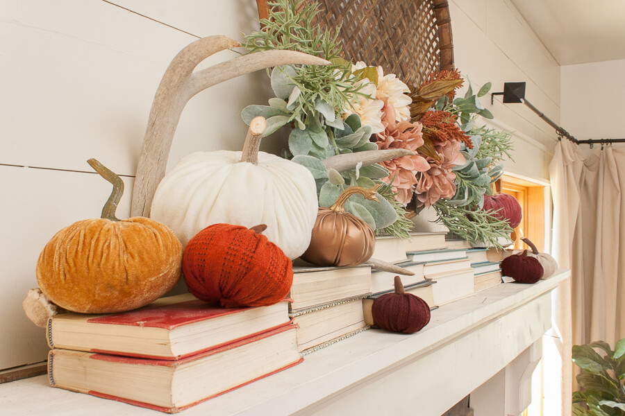 Beautiful fall mantel decor. Love this combination!