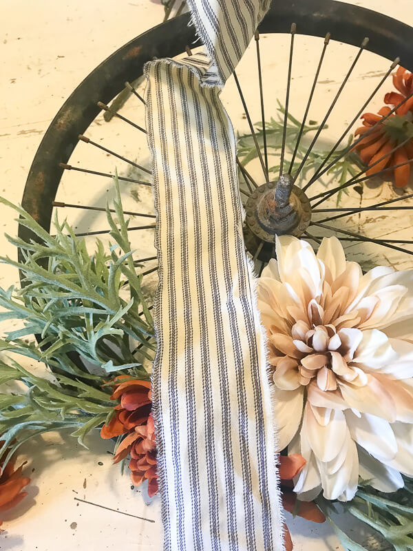 How to hang a bicycle wheel wreath
