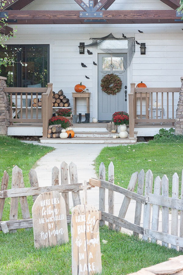 Chic and stylish Halloween home decor