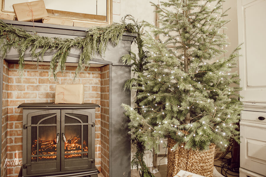 Cozy farmhouse style Christmas bedroom decor that is easy, effortless and full of charm