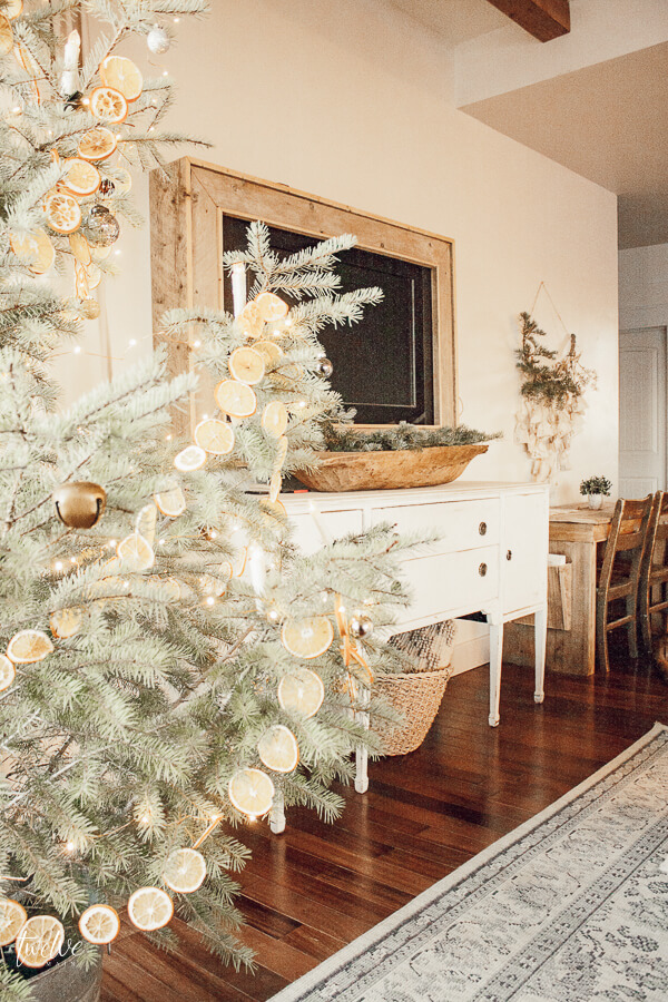 Scandinavian farmhouse Christmas decor ideas