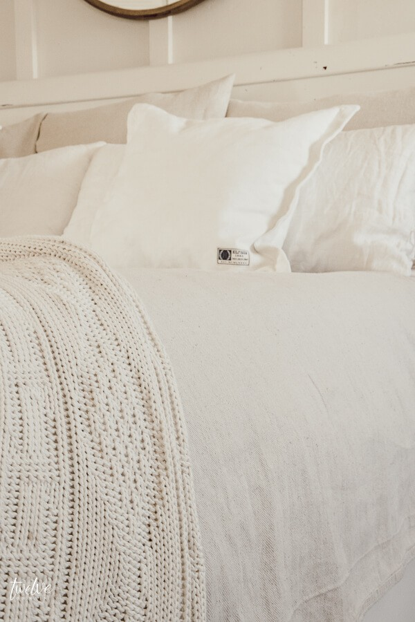 Try this 15 dollar farmhouse style bedding hack!